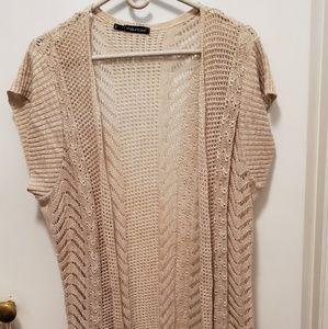 Biege short sleeved knit cover